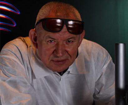 Dr. Romuald Pawluczyk
