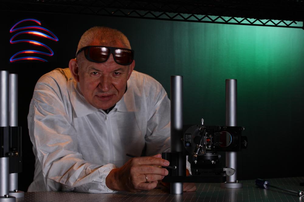 An Inspirational Optics Leader: Dr. Romauld (Romek) Pawluczyk